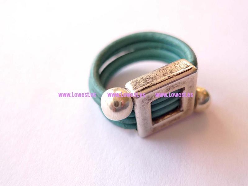 anillo plata cuadrado cuero