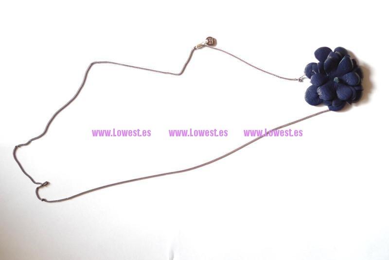 collar de cuero flor
