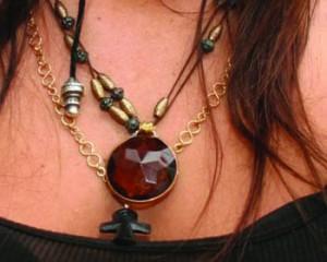 moda colgantes piedras