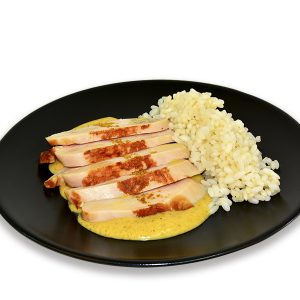 Pollo con arroz y salsa al curry