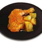 Muslo de pollo guisado con patatas al romero
