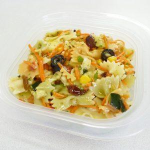 Ensalada de farfalle con manzana y salsa vinagreta