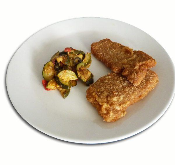 Escalopines de pollo con calabacin salteado