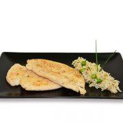 Pechuga de pollo a la plancha con arroz salteado