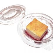 Flan de queso con caramelo de fresa