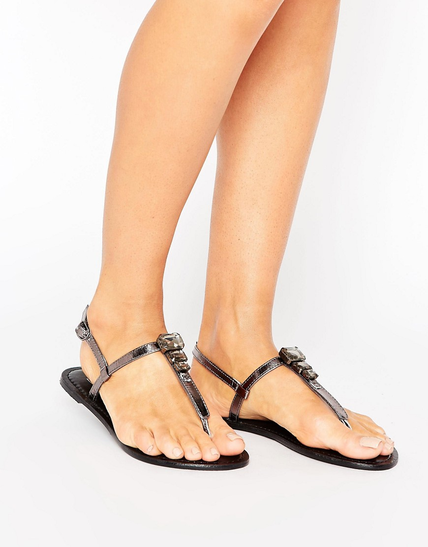 Sandalias planas de cuero con adornos FELENA en ofertas calzado