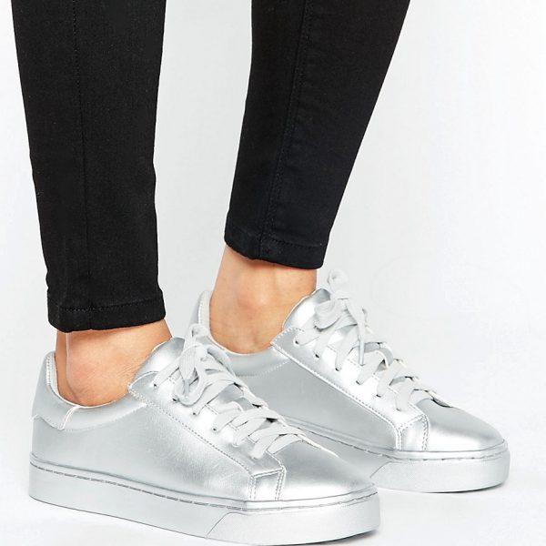 Zapatillas de deporte metalizadas con cordones de New Look