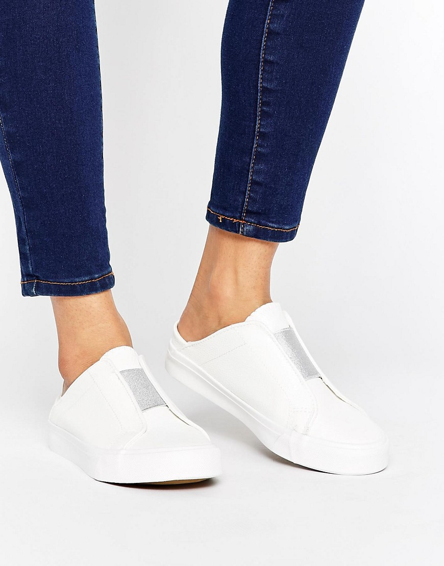 Zapatillas sin cierres metalizadas de New Look