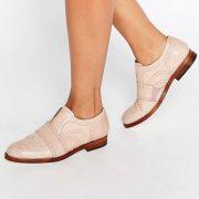 Zapatos Oxford sin cierres de cuero en color blush Maddie de Hudson London