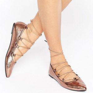 Zapatos planos en cobre metalizado con cordones Ghillie de RAID