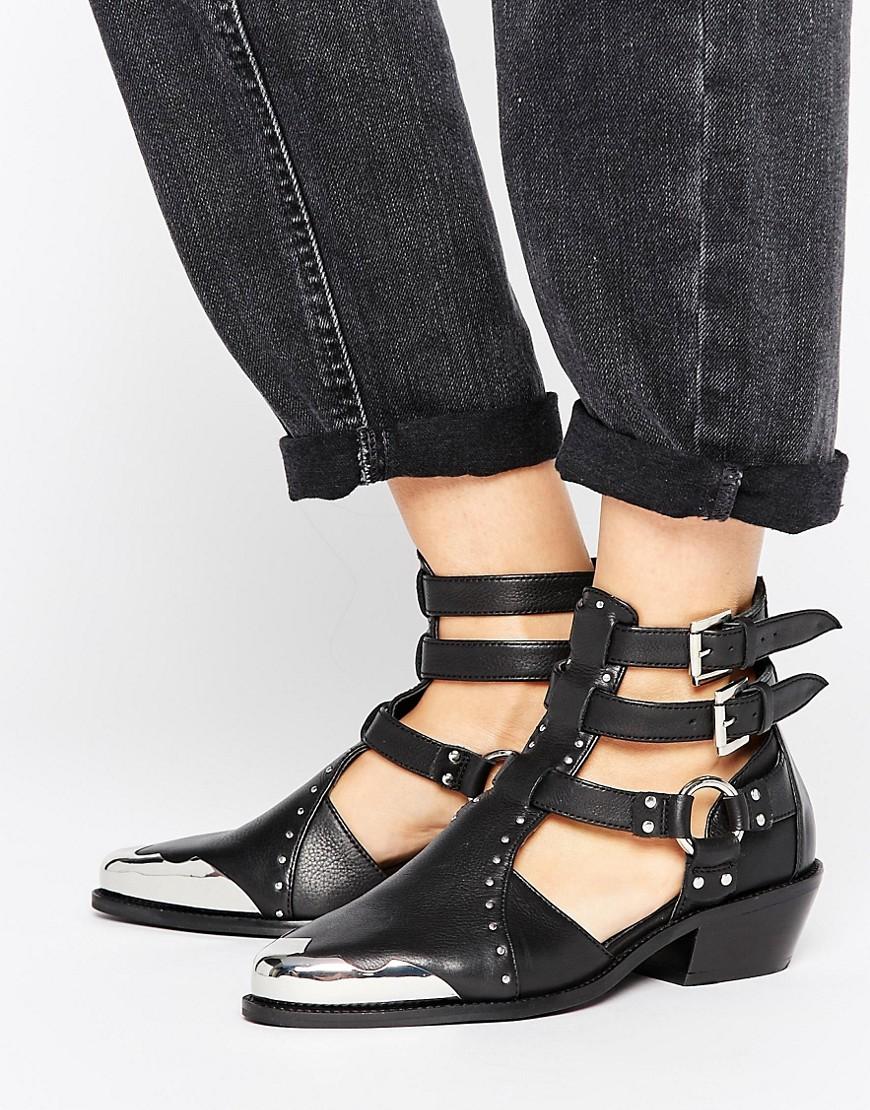 Botas estilo western de cuero con aberturas ARCTIC en ofertas calzado