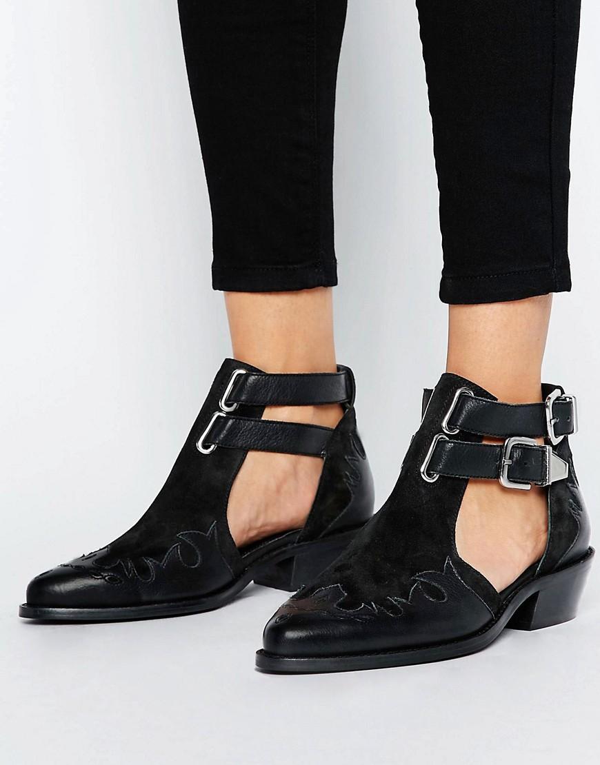 Botas estilo western de cuero con aberturas ARROW en ofertas calzado