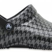 Crocs Clog Unisex Negros / Silver Metallic Bistro Graphic s