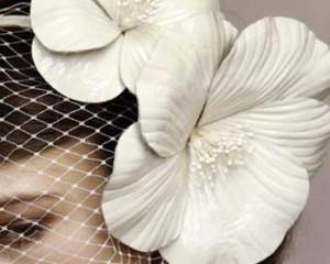 novia flor cabeza