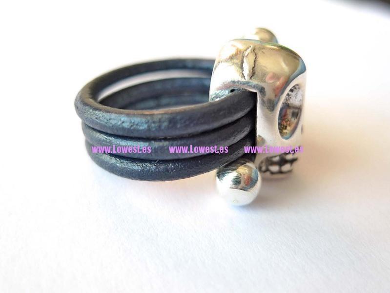 anillo plata calabera cuero