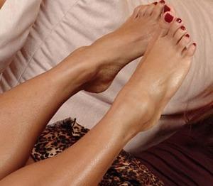 belleza pies uñas