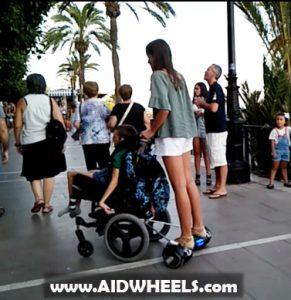 Adaptar patinete a silla de ruedas hoverboard electrico minusvalidos notizalia - Silla para hoverboard ...