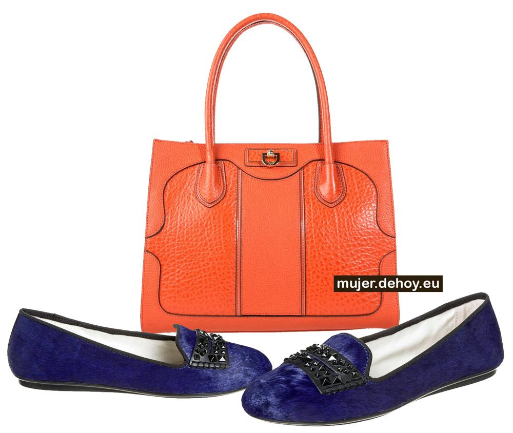 zapatos azules bolso naranja