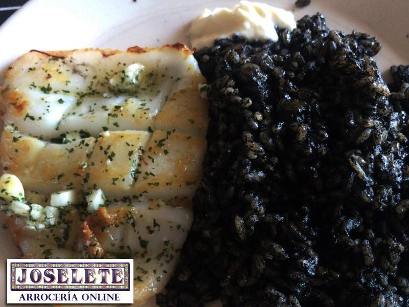 choco a la plancha con arroz negro arroceria online