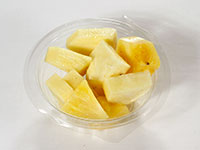 Fruta pelada piña