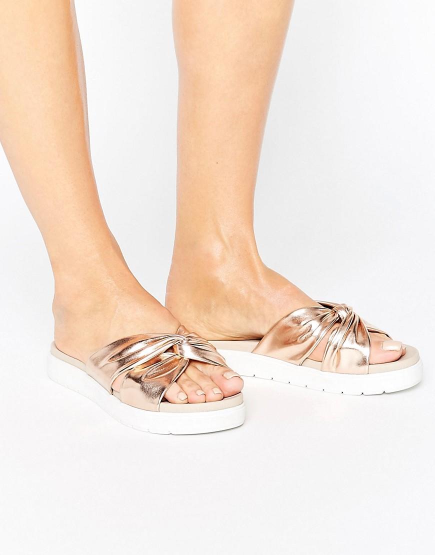 Sandalias con detalle de nudo FLOSSIE en ofertas calzado
