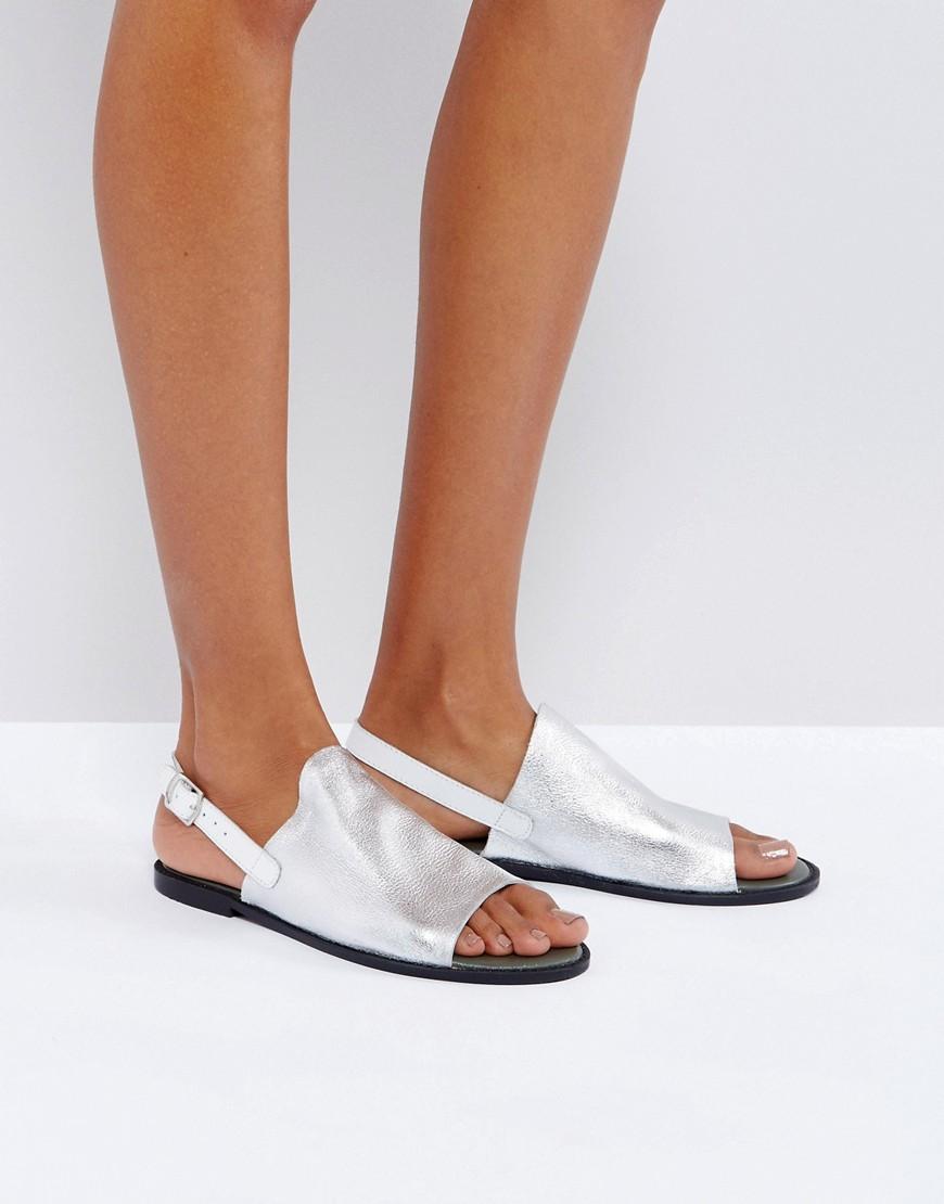 Sandalias de cuero metalizado con tira al tobillo de Vero Moda