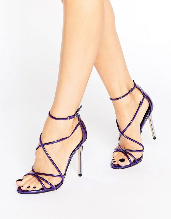 Sandalias de tacon de tiras de efecto espejo en violeta Spindle de Office