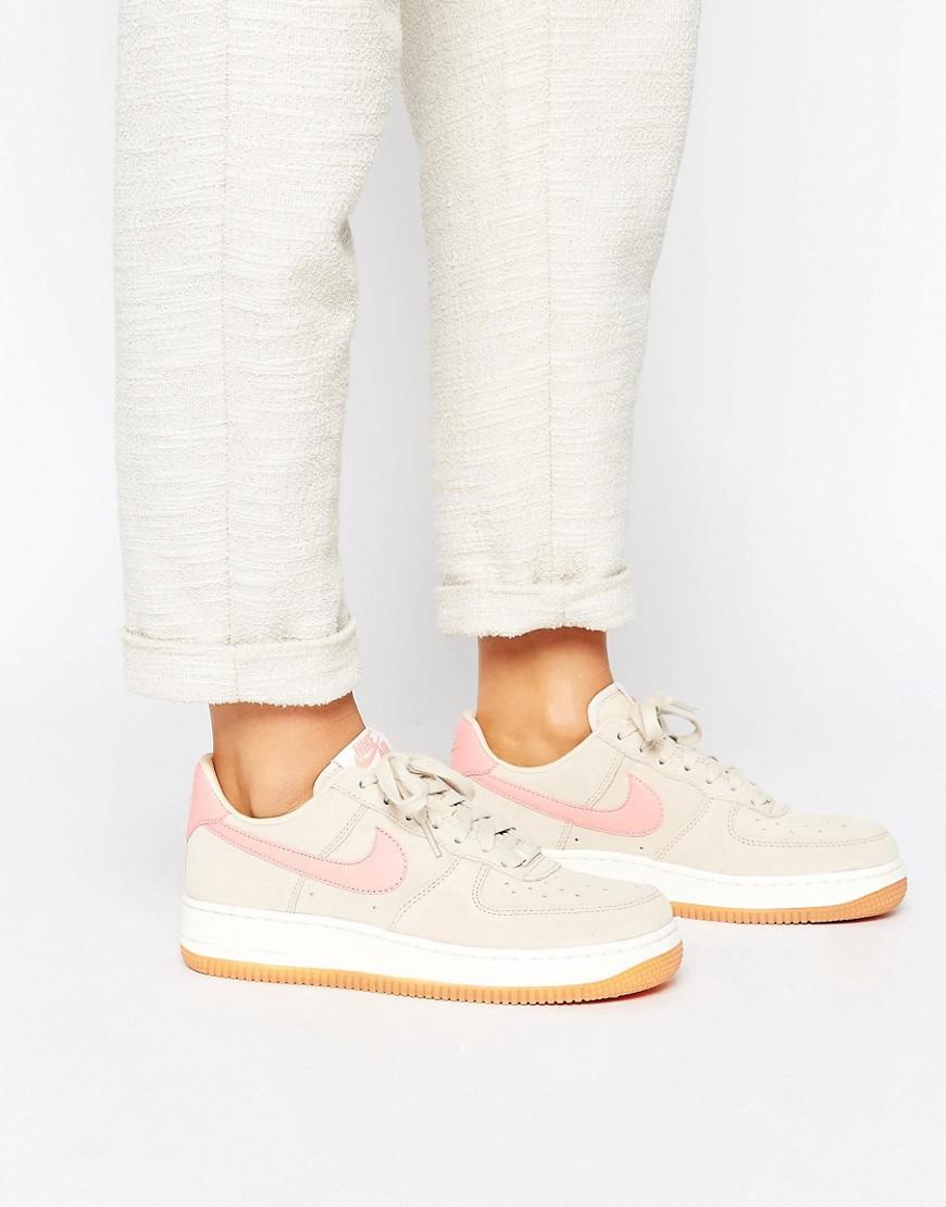 Zapatillas de deporte en beis y rosa Air Force 1 '07 de Nike