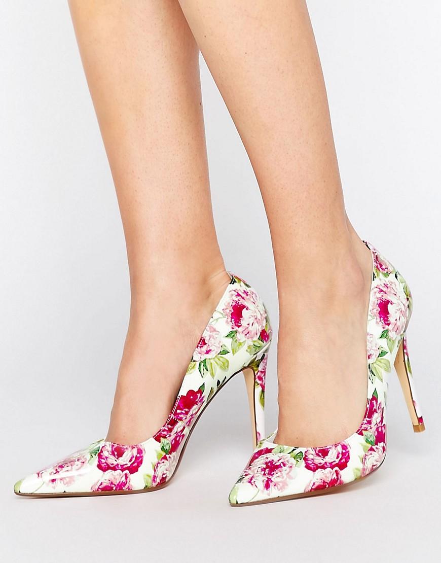 Zapatos de salon de cuero con flores de Dune