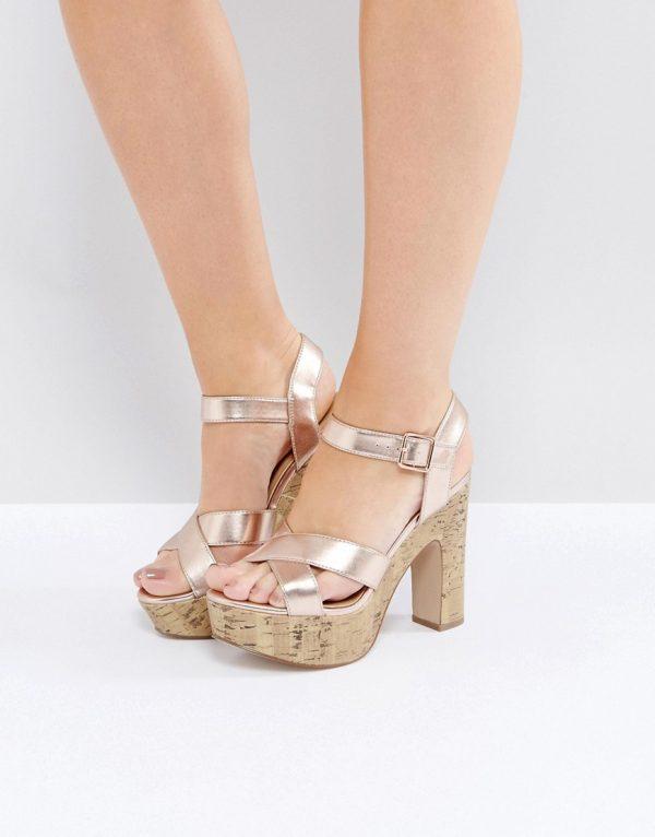 Zapatos de tacon metalizados con plataforma de corcho de New Look