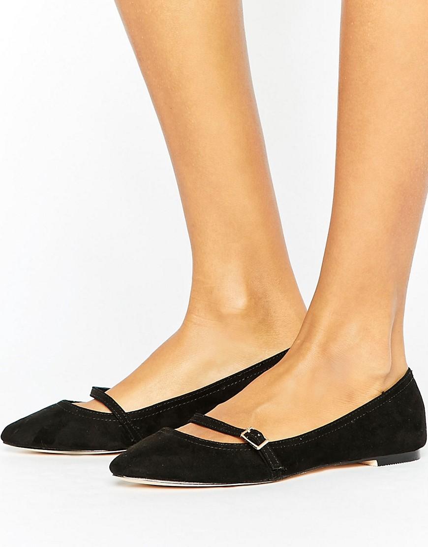 Zapatos en punta con barra en T y hebilla de Oasis