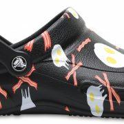 Crocs Clog Unisex Negros / Blancos Bistro Graphic s